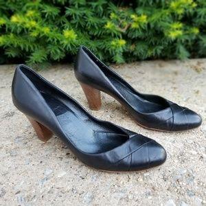 Ferragamo leather wood heel 8